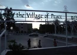 The Village of Peace - dokumentarfilm af Ben Shuder & Niko Philipides